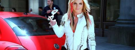 Britney Spears, Red Beetle, Volkswagen Beetle, Volkswagen, Product placement volkswagen, punch buggy
