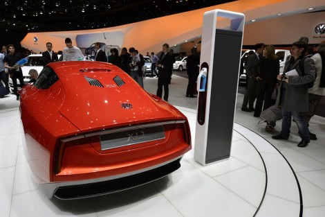 Fuel Efficient, Hybrid, Worlds most fuel efficient, xl1, volkswagen, vw, geneva auto show, switzerland, orange