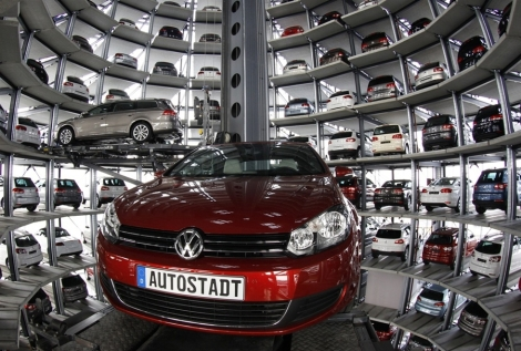 Volkswagen, VW, Wolfsburg, Germany, Car elevator
