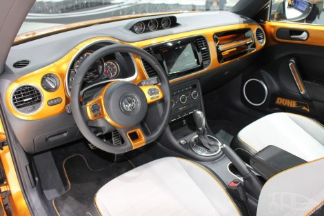 2014-VW-Beetle-Dune-Concept-at-2014-NAIAS-steering